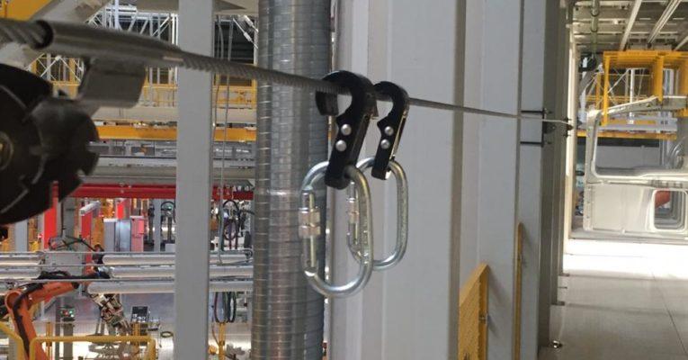 Обеспечение безопасности при прохождении вдоль эстакады